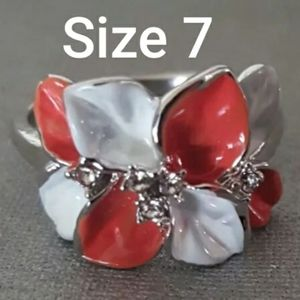 Flower Style Ring Size 7 Sterling Silver